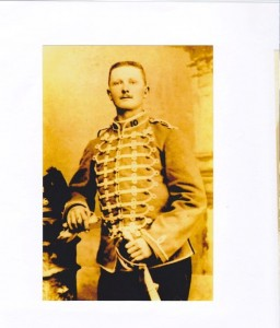 Léon Chauvet en tenue de Hussard